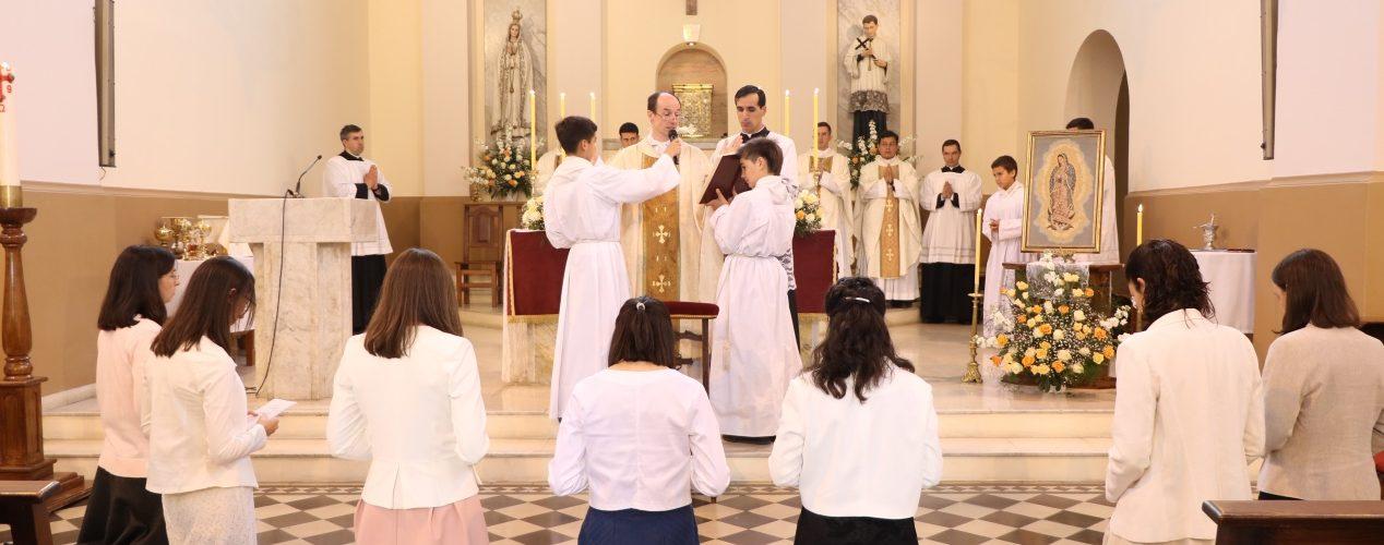 Las Consagradas en el templo de la parroquia San Luis Gonzaga