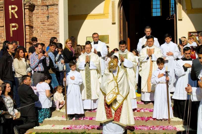 Corpus-Christi-Infiorata-Villa-Elisa-21
