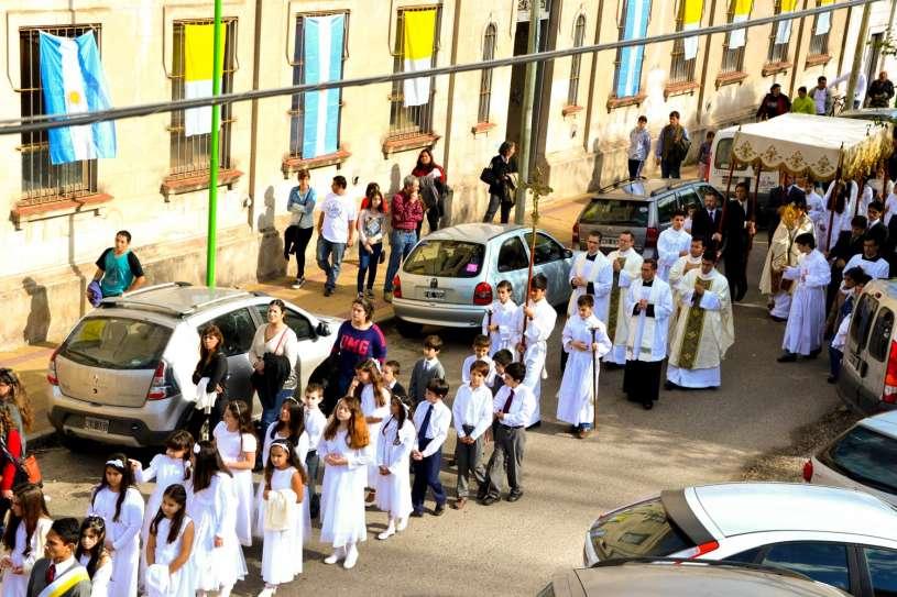 Corpus-Christi-Infiorata-Villa-Elisa-31