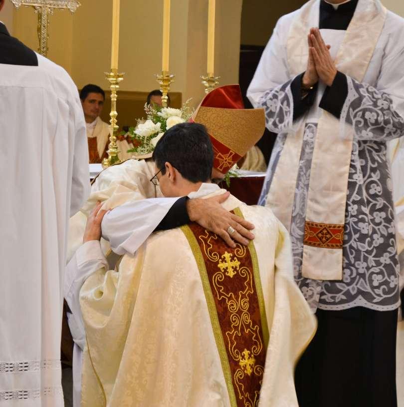 ordenacion-sacerdotal-p.juan-de-dios23