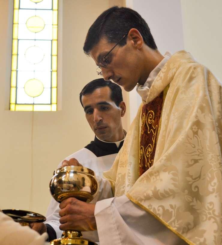 ordenacion-sacerdotal-p.juan-de-dios28