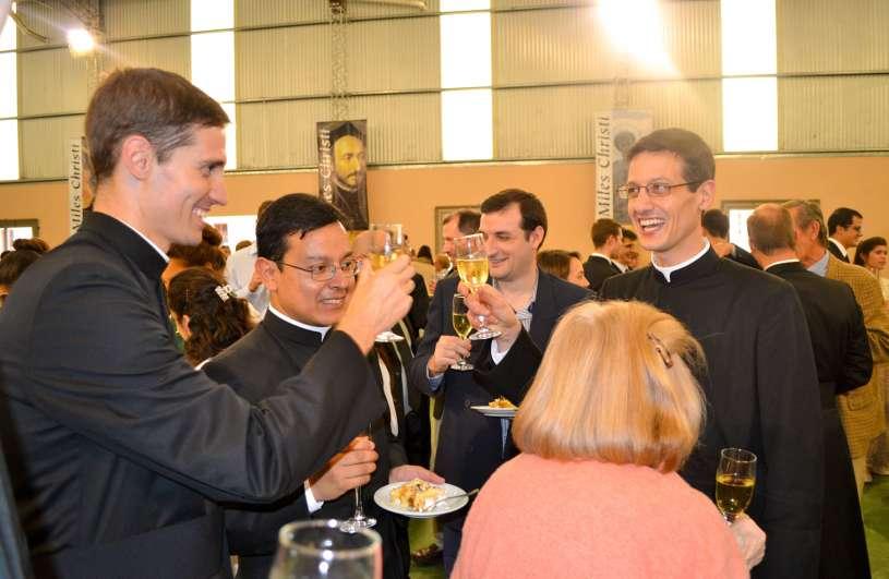 ordenacion-sacerdotal-p.juan-de-dios44