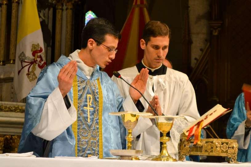 ordenacion-sacerdotal-p.juan-de-dios74